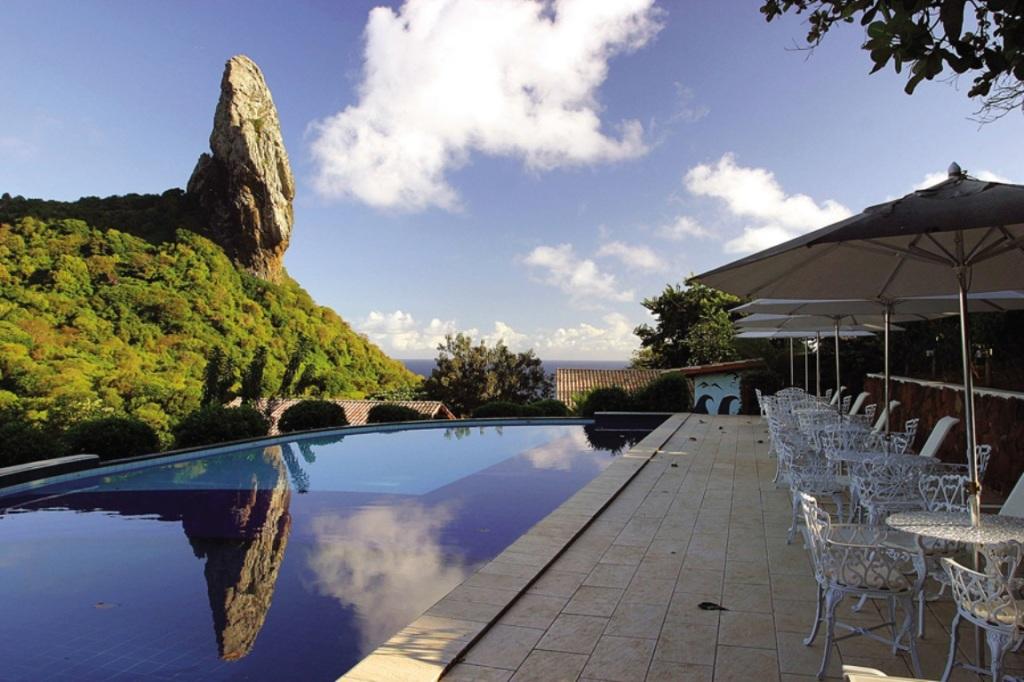 pousada-zemaria-noronha-piscina-amearquitetura
