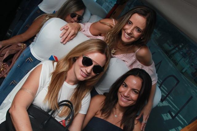 Isabela Dantas e Lara Soares com Sandy Najar