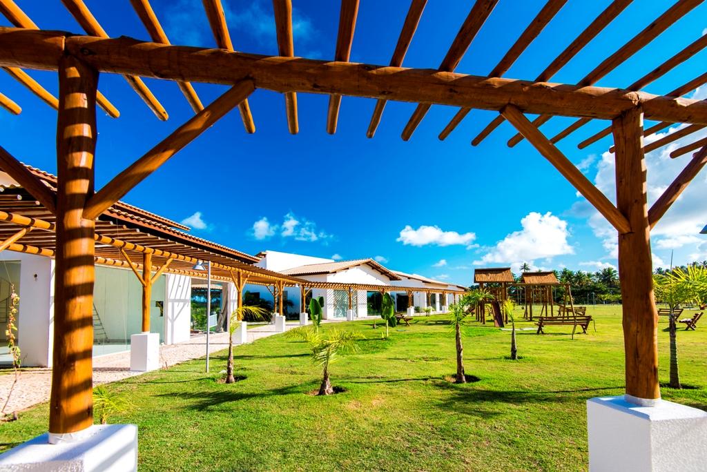 Vila Comercial: primeiro shopping de Imbassaí tem proposta ecoresponsável