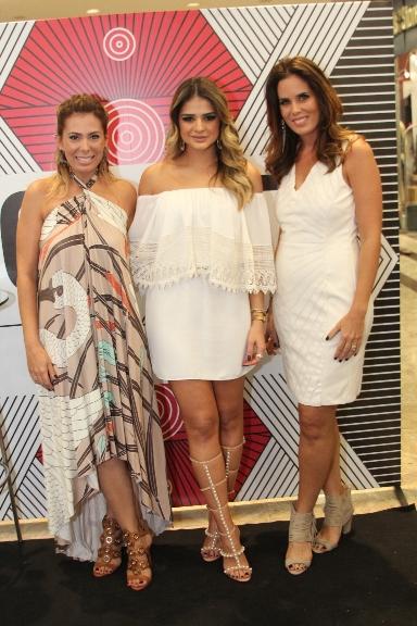 Raquel Regueira Thassia Naves e Mariane Chaves
