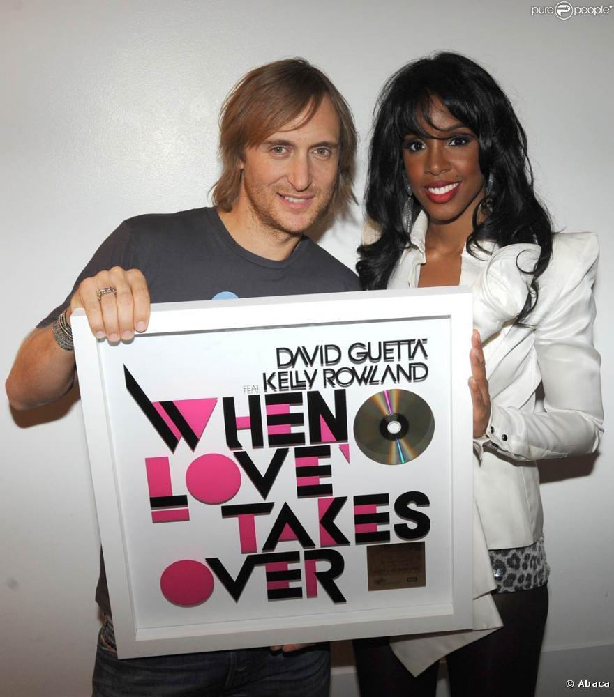 David Guetta e Kelly Rowland posando juntos na época da divulgação do hit da dupla. Foto: Pure People/Divulgação