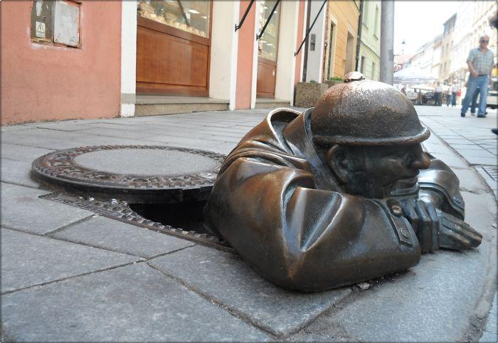 Homem trabalhando, Bratislava, Eslováquia