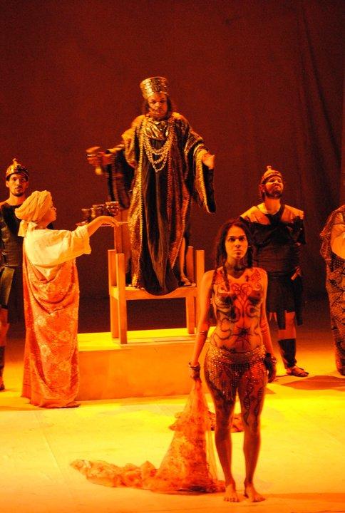 Analu Tavares como Salomé em Paixão de Cristo por Uran Rodrigues
