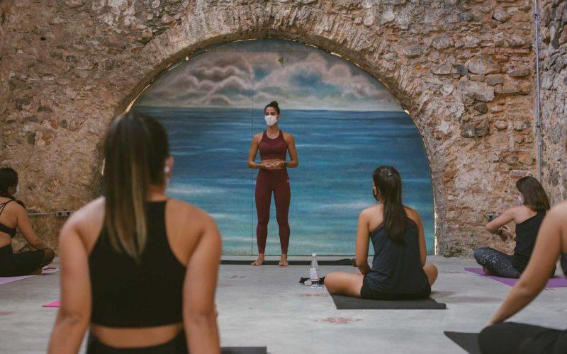 Encontro Karma Yoga Flow com Thais Khoury em Salvador