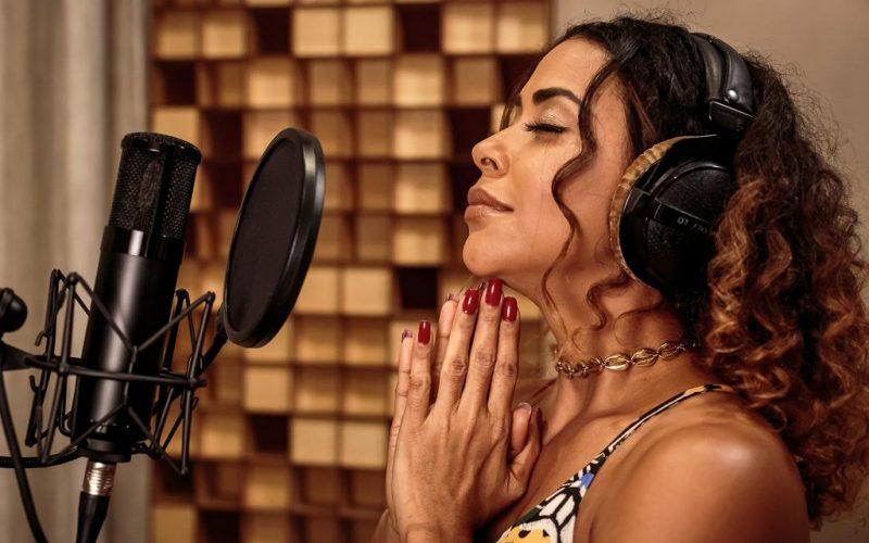 #NEWS: Ana Mametto canta a saudade em novo single e clipe